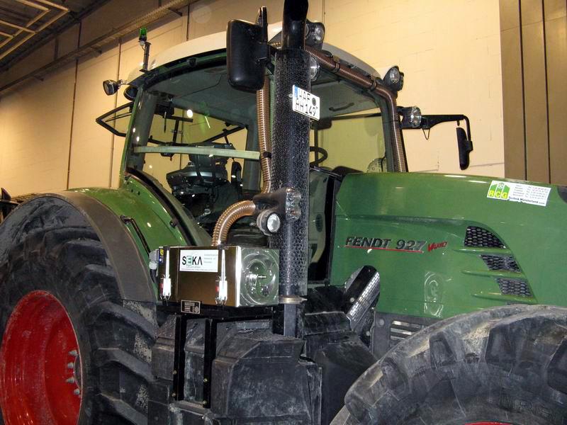 FEN-927 Traktor (1)