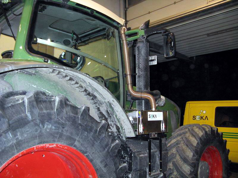 FEN-927 Traktor (2)
