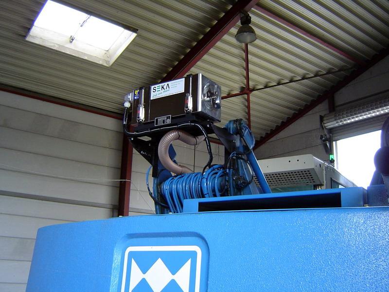 FUC-MHL 331 Mobilbagger mit hochfahrbarer Kabine (2)