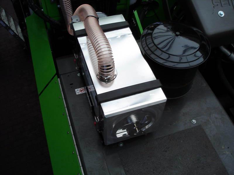 SEN-825 M_Mobilbagger mit hochfahrbarer Kabine (3)