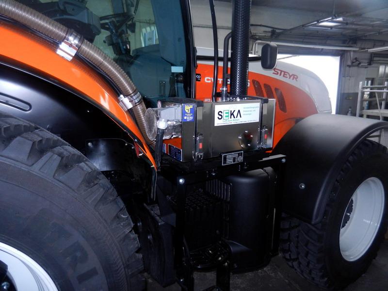 STE-6185CVT Traktor (1)
