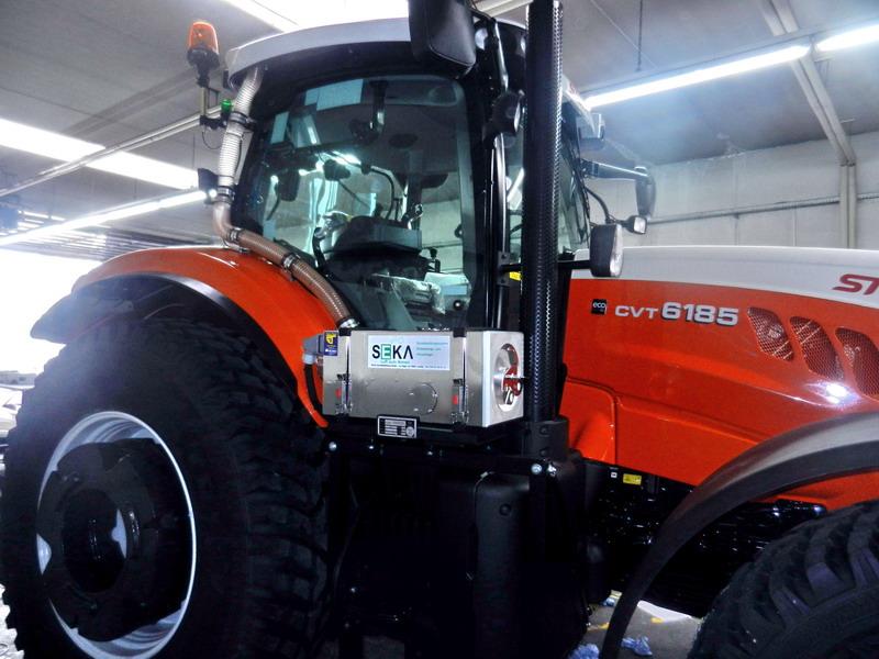 STE-6185CVT Traktor (4)